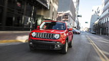 2015 Jeep Renegade small SUV unveiled with quirky yet cute looks