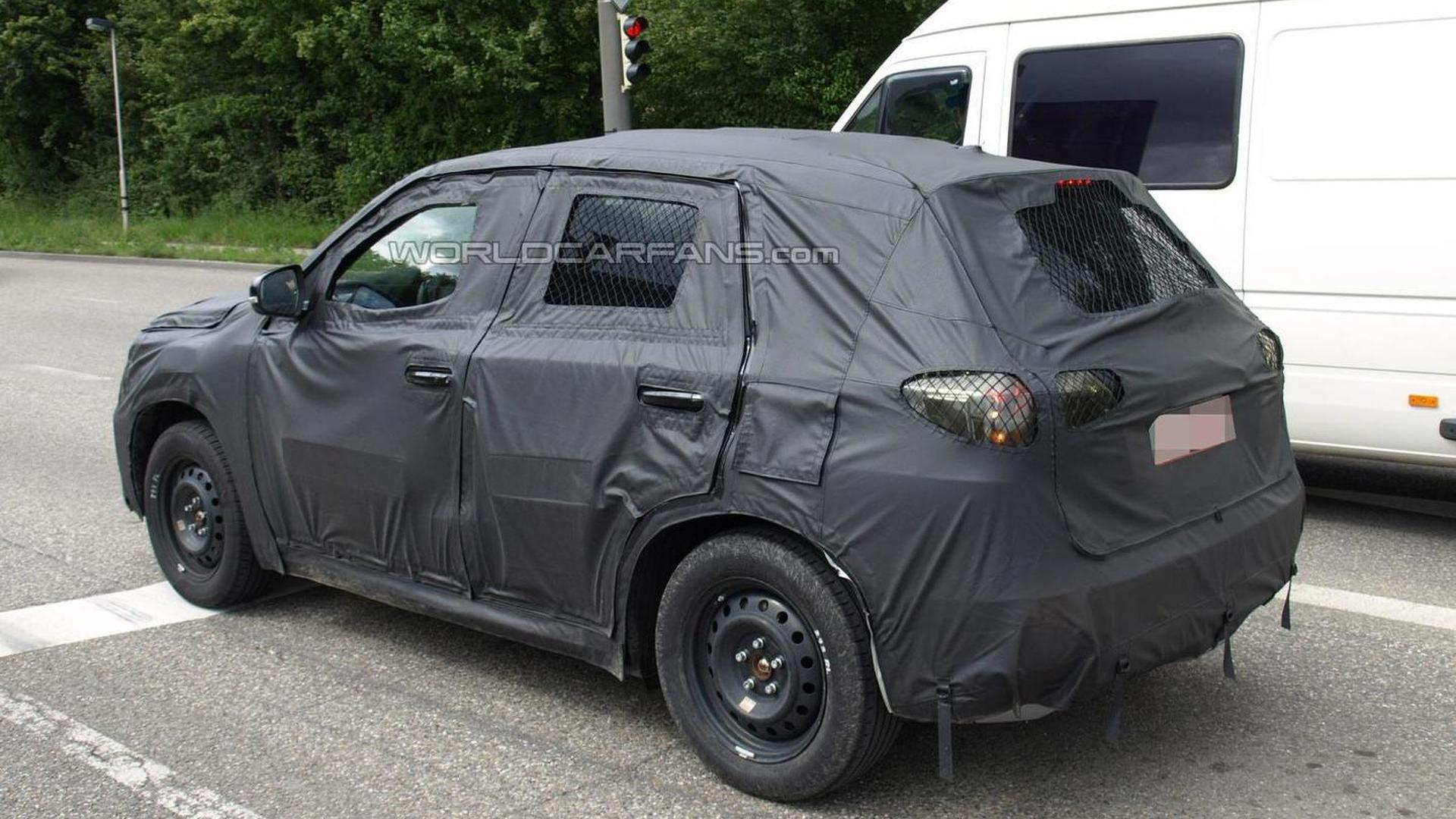 2015 suzuki grand vitara spied testing in germany. Black Bedroom Furniture Sets. Home Design Ideas