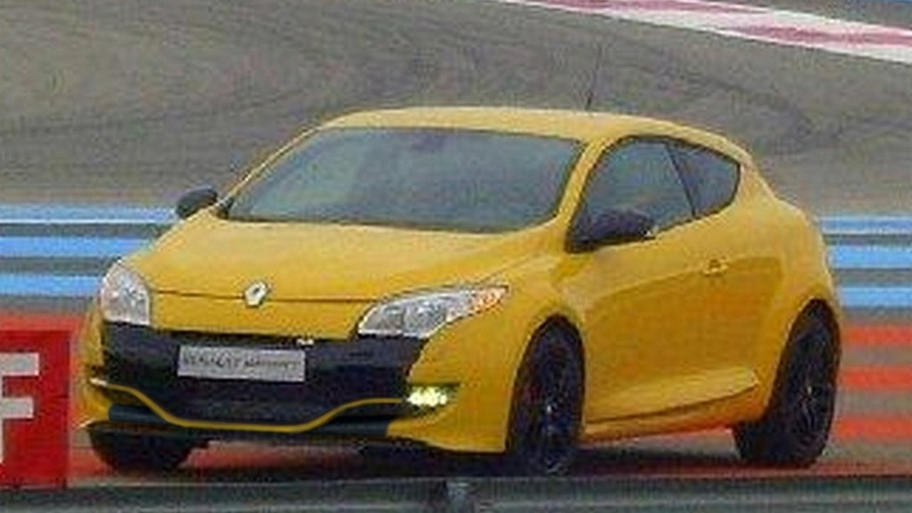 Renault Megane RS spied on track