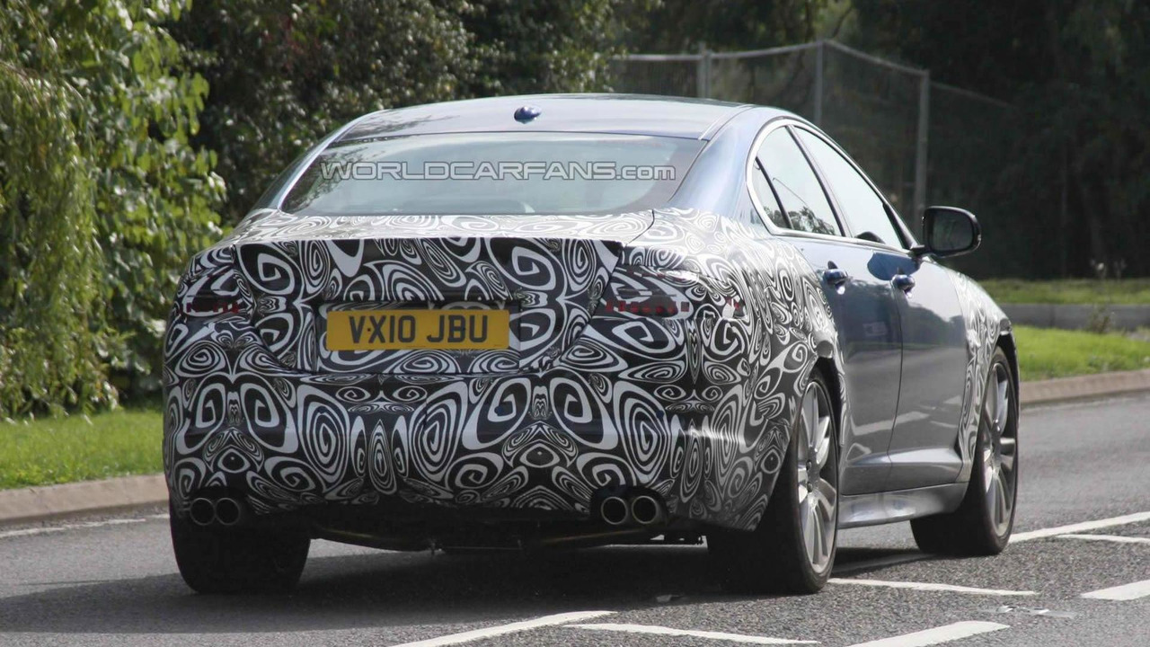 2012 Jaguar XF-R facelift spy photo