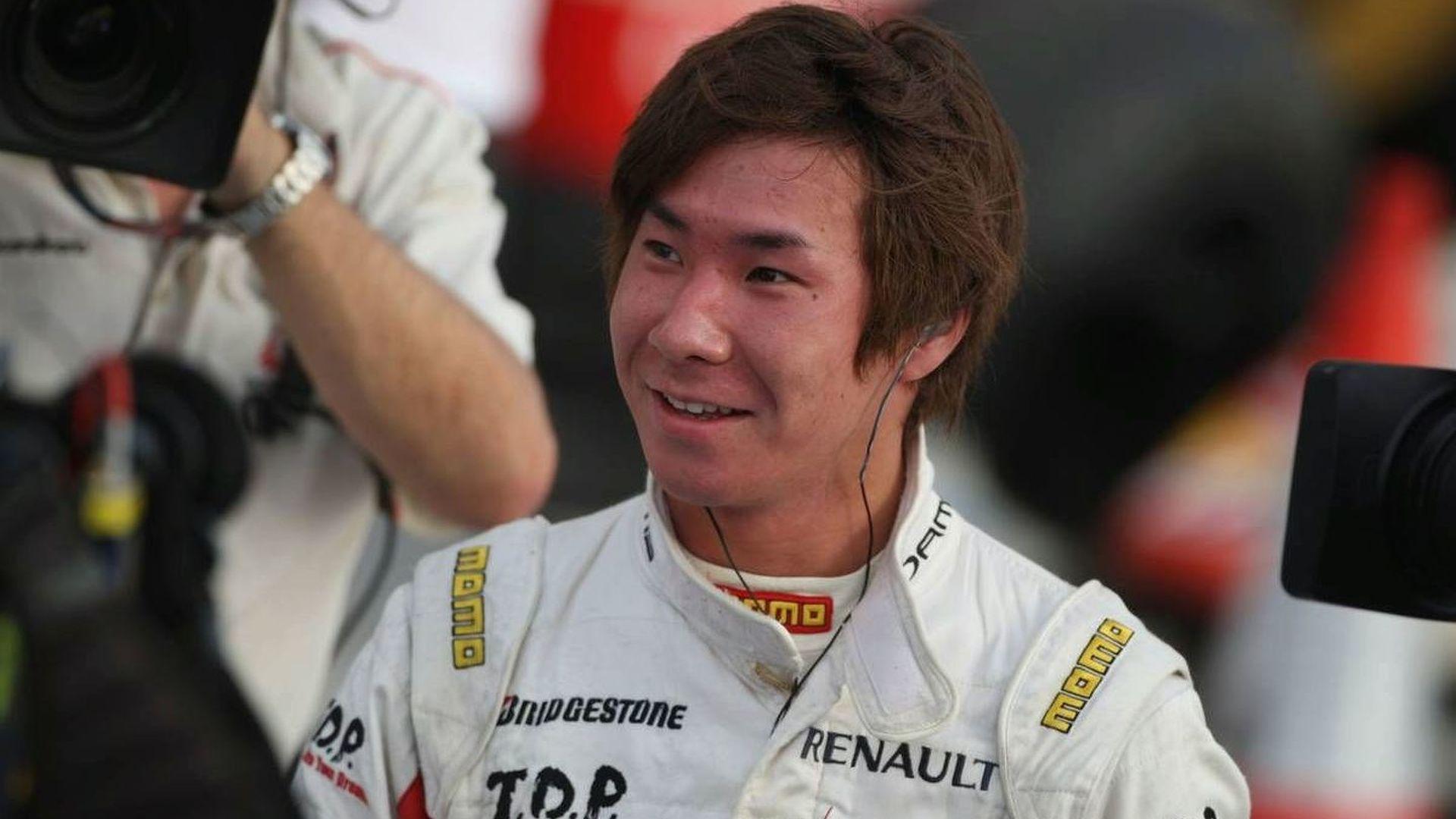 Kobayashi visits Sauber for seat fitting