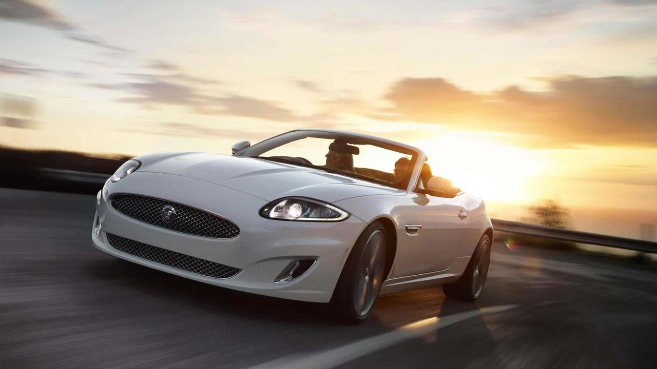 Jaguar XK Signature (UK-spec)