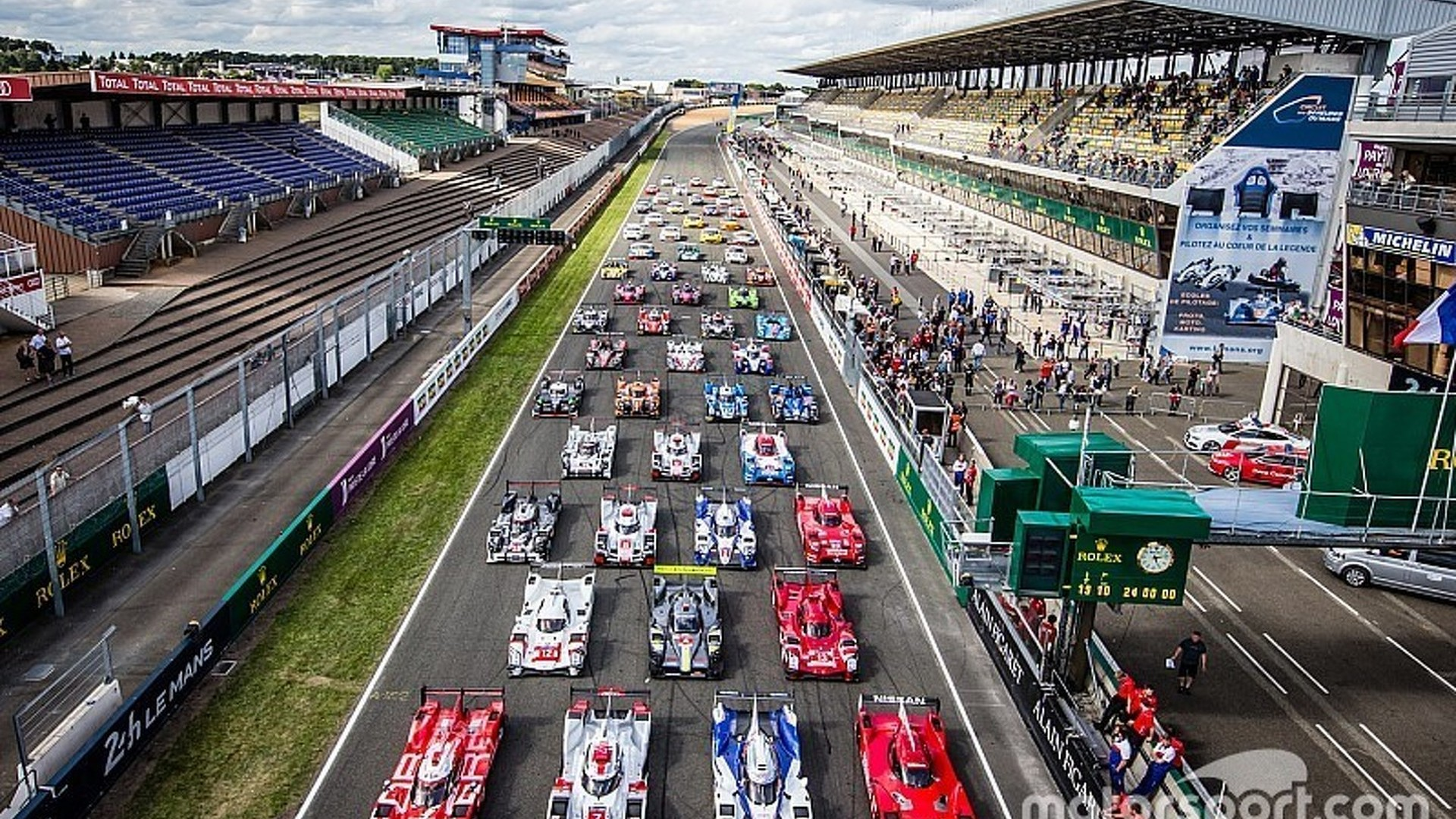 to host exclusive live streaming of le mans 24 hours entry list announcement on feb 5. Black Bedroom Furniture Sets. Home Design Ideas