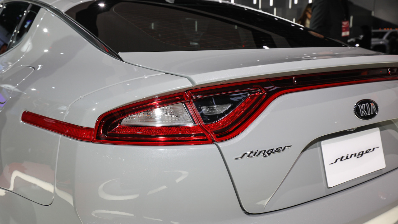 2018 - [Kia] Stinger GT - Page 5 2018-kia-stinger-detroit-2017