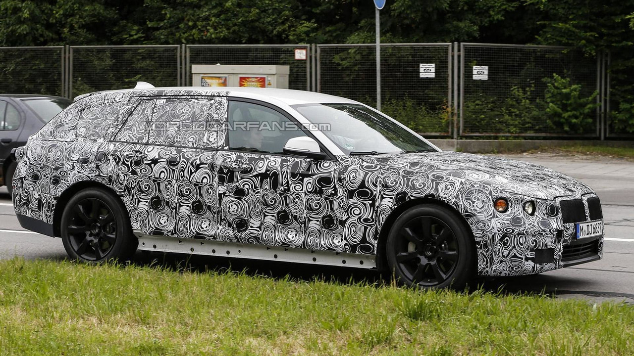 2016 BMW 5-Series Touring spy photo