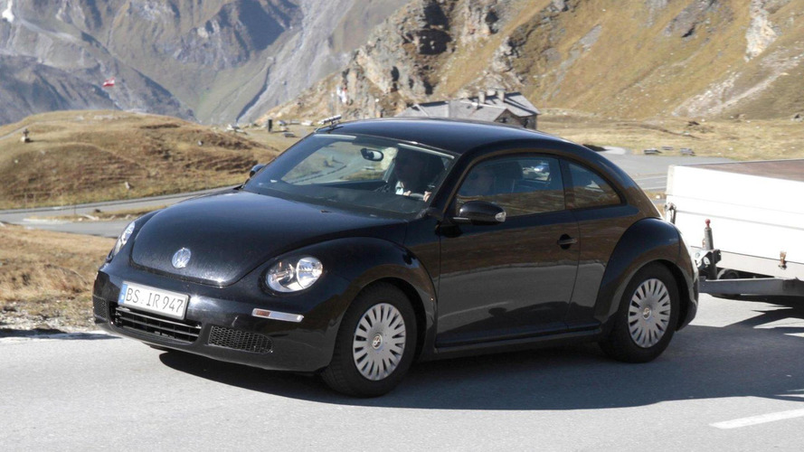 Next-generation VW Beetle spied testing in Europe