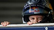 Vettel names 2010 car 'Luscious Liz'