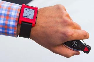 Mercedes-Benz Smartwatch App Plays Into Latest Tech Craze