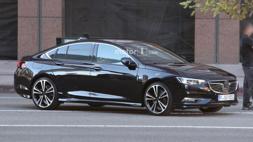 Flagra - Essa é a nova geração do Opel Insignia, sucessor do Vectra