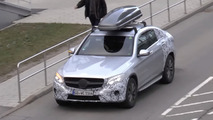 Mercedes GLC Coupe's roof box compensates smaller trunk [video]