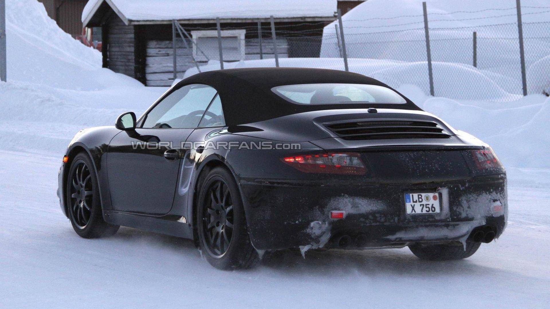 2012 Porsche 911 Cabrio spied in the cold