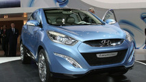 Hyundai ix-ONIC Concept Live Video in Geneva