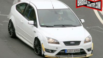Production Ford Focus RS Spied on the Ring