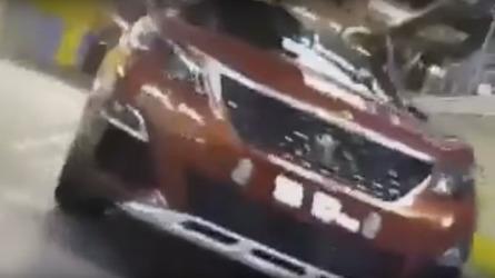 Peugeot 3008 GT secretly filmed at factory