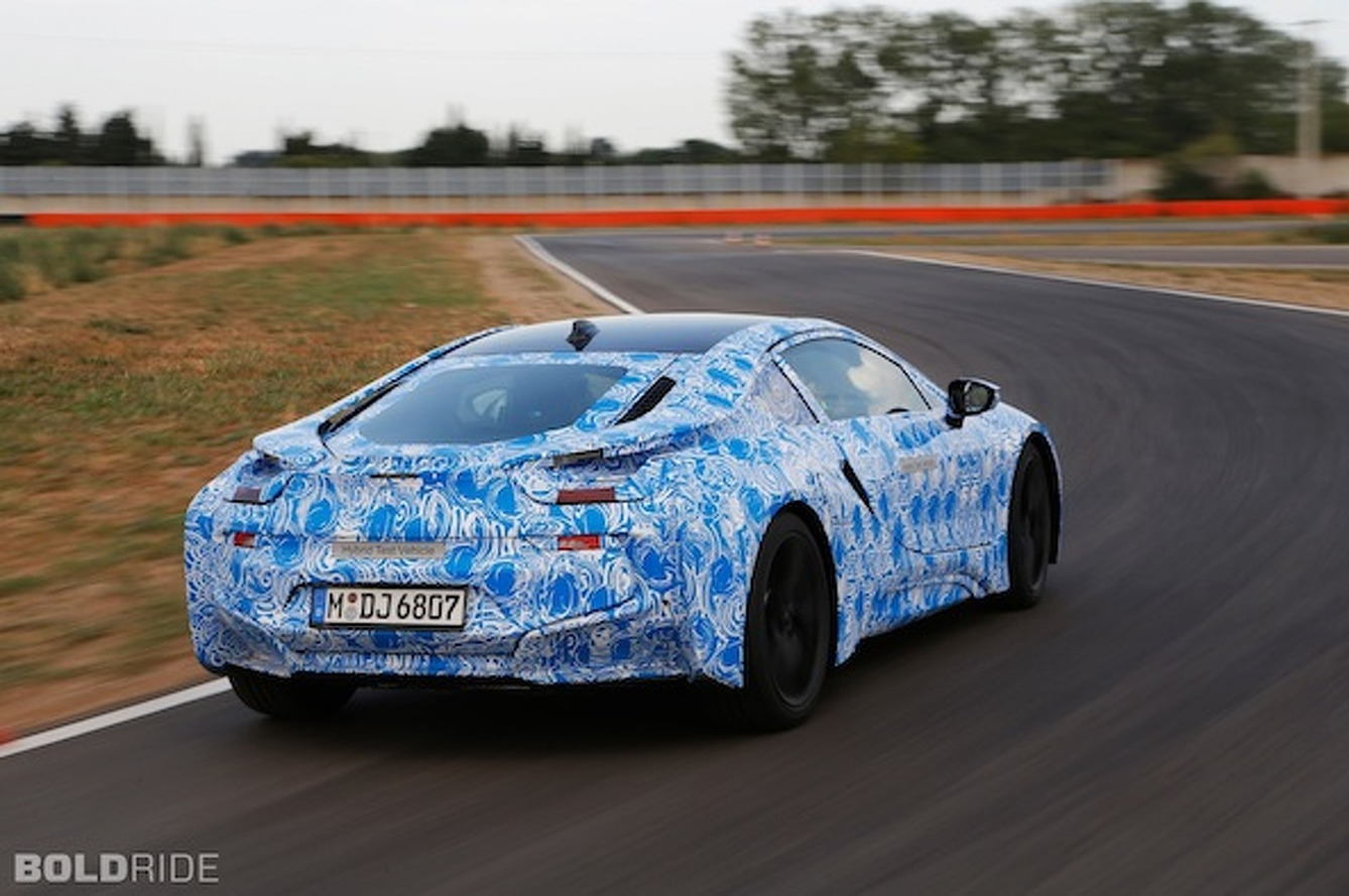 BMW i8 Hybrid Sportscar Detailed