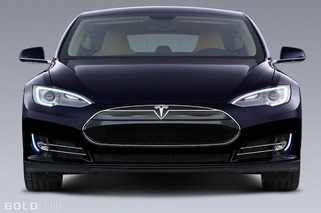 Tesla Promises Autonomous Vehicle by 2016