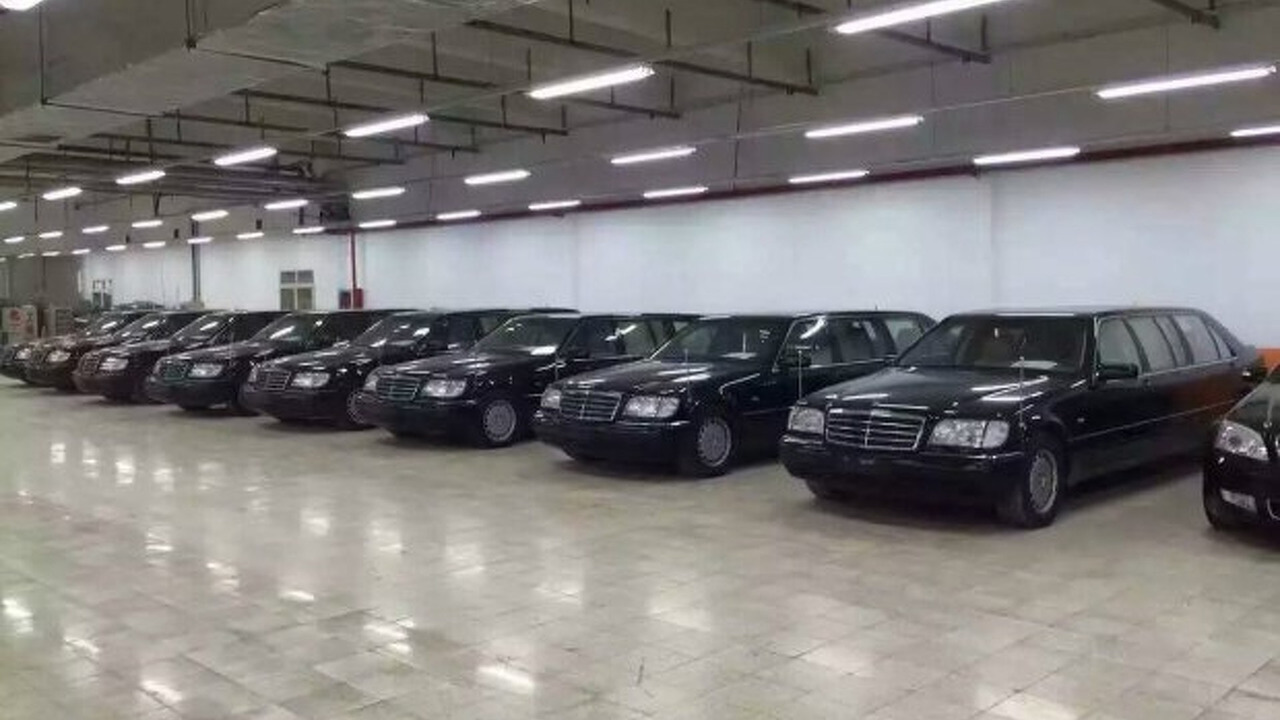 eight mercedes s class w140 pullman limos auctioned by. Black Bedroom Furniture Sets. Home Design Ideas