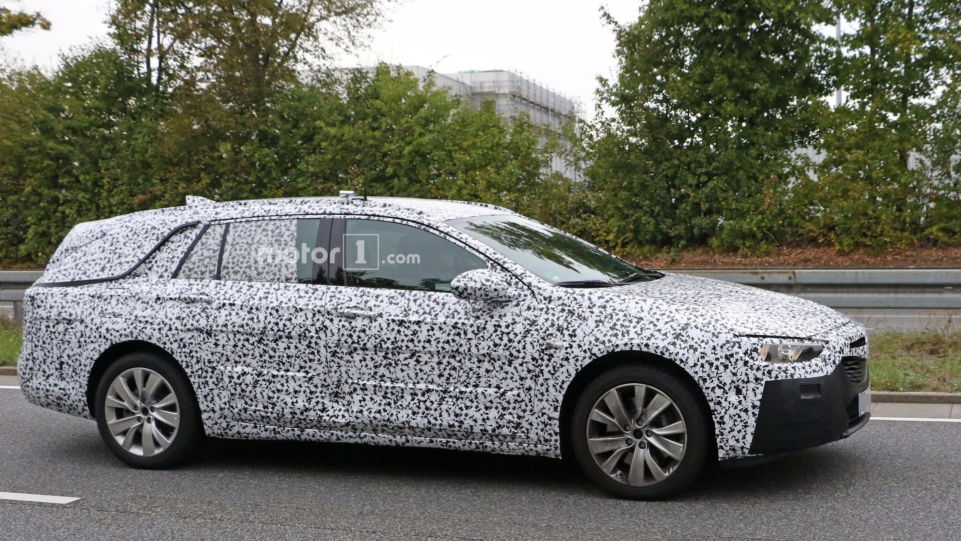2017 opel insignia wagon spied exhibiting jump in size. Black Bedroom Furniture Sets. Home Design Ideas