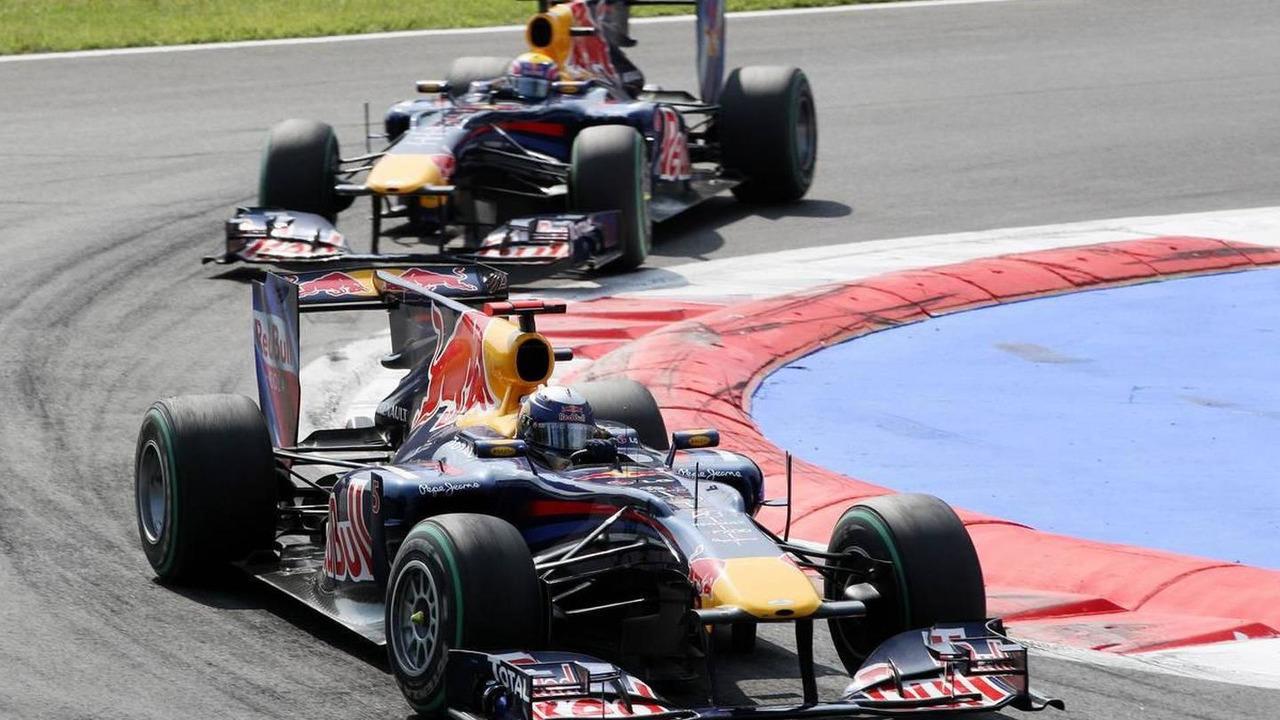 Sebastian Vettel (GER), Red Bull Racing leads Mark Webber (AUS), Red Bull Racing - Formula 1 World Championship, Rd 14, Italian Grand Prix, Sunday Race, 12.09.2010 Monza, Italy