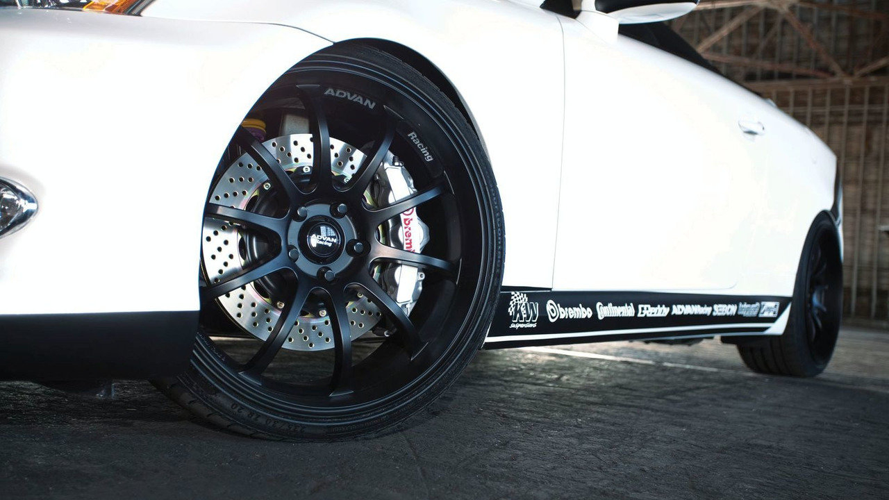 Lexus IS 350C by 0-60 Magazine and Design Craft Fabrication - SEMA 2009