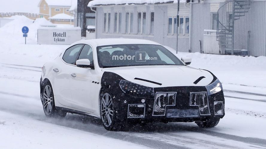 Photos espion - La Maserati Ghibli cache habilement son nouveau visage