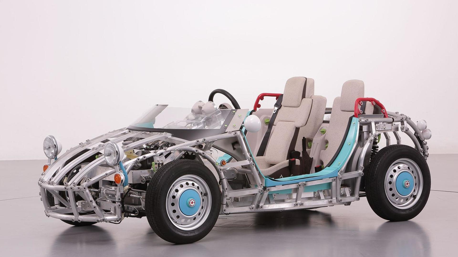 Toyota Camatte Sport LED concept announced for the Tokyo Toy Show [video]