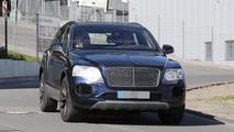 Bentley Bentayga spy photo
