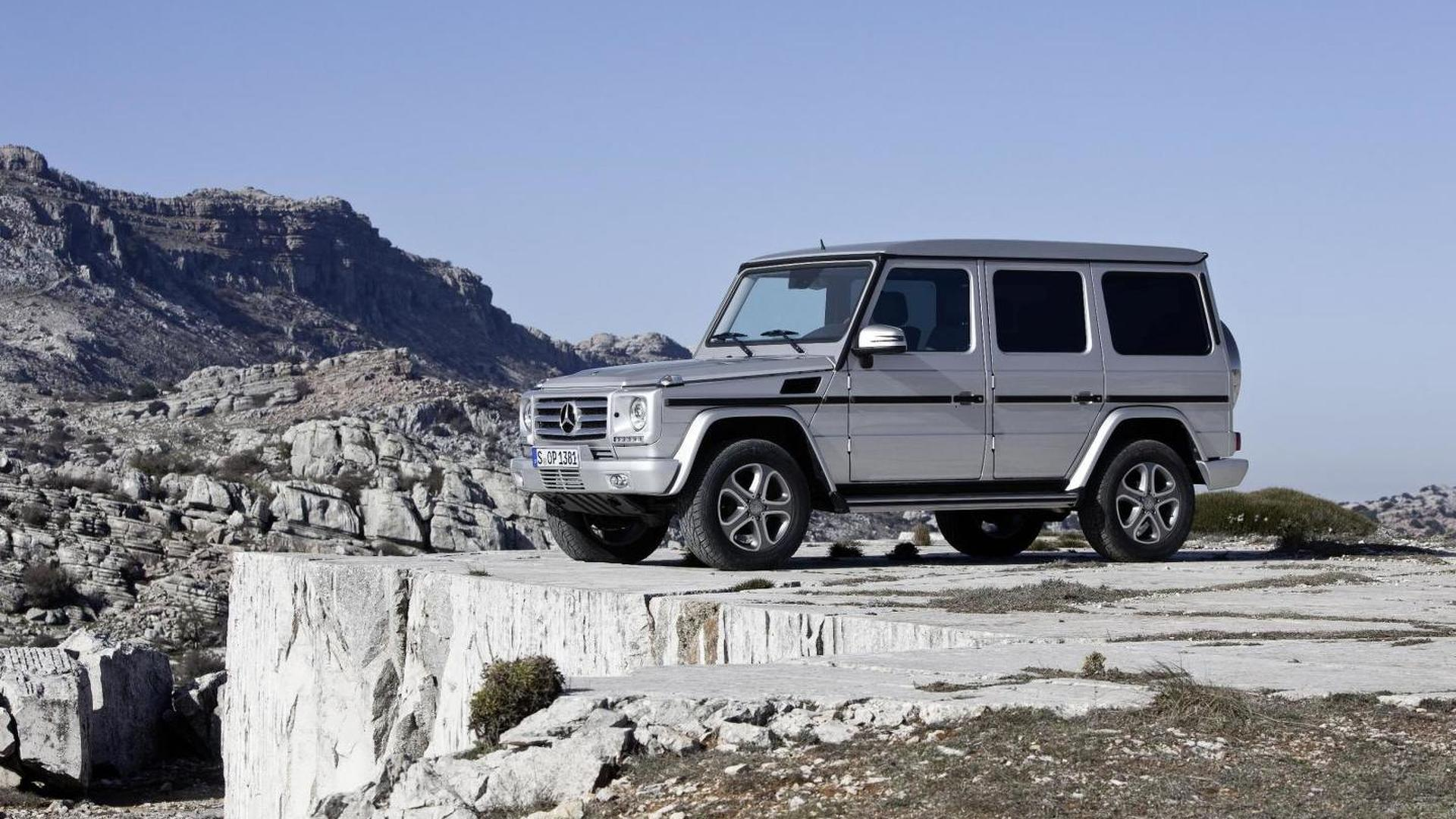 Stretched Mercedes-Benz G55 AMG seen in Monaco [video]