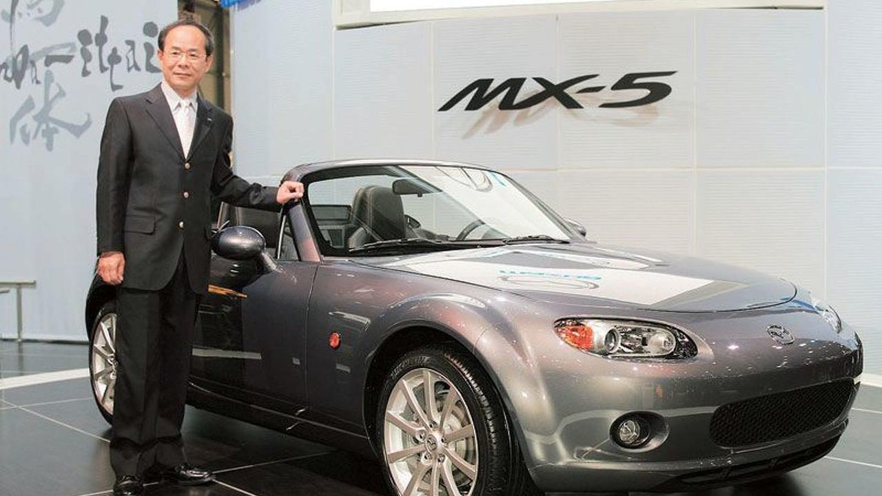 Mazda MX-5 unveiled at Geneva