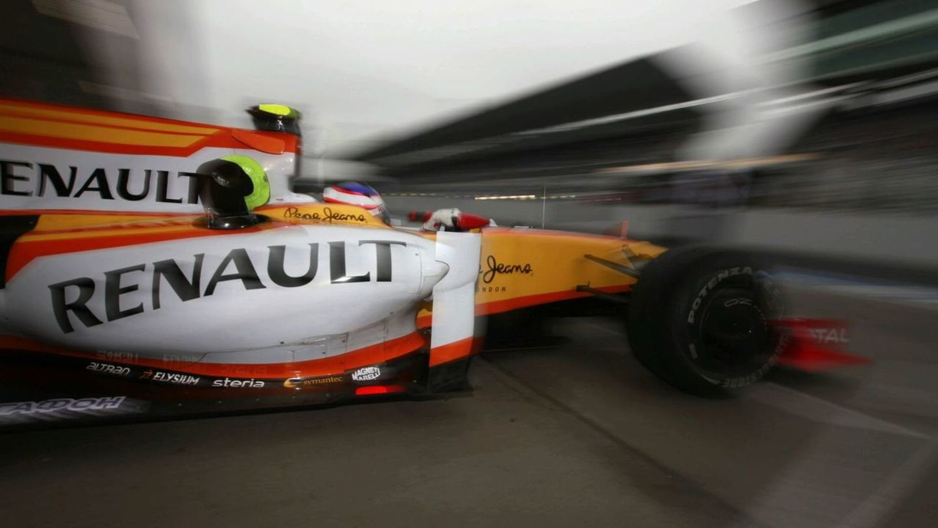 Rumour - Renault set to race new car livery?