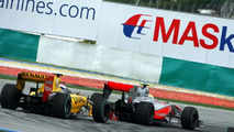 Renault says Hamilton weaving should have been punished
