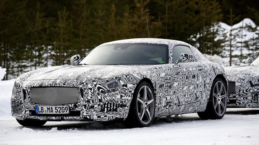 Mercedes-Benz AMG GT spied winter testing