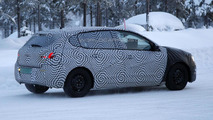 2014 Peugeot 308 spied cold weather testing [video]