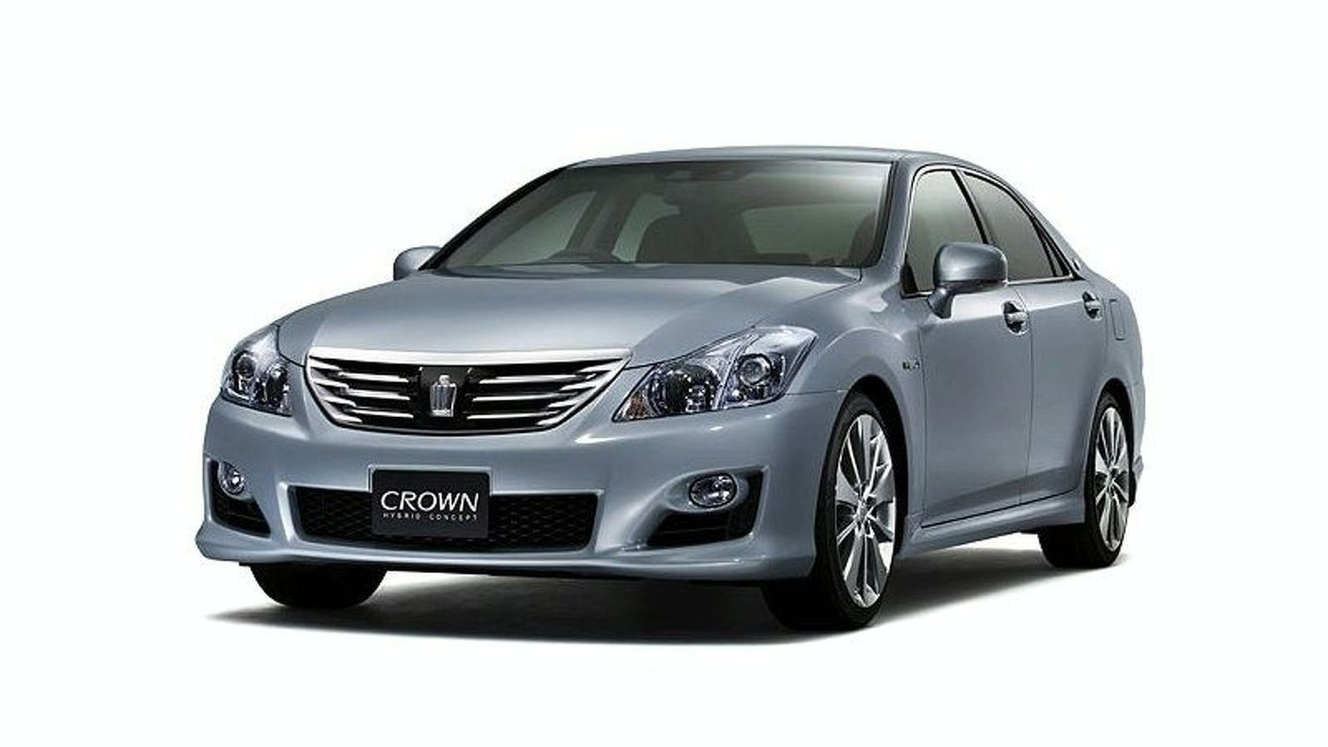 Toyota Crown Hybrid Concept to Debut in Tokyo