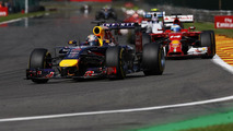 Struggling Vettel not racing Ricciardo's chassis