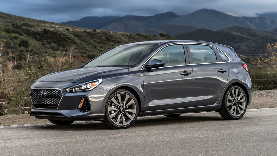Hyundai Elantra GT Debuts at Chicago Auto Show