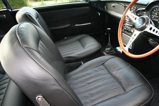 Aston Martin DB5 Worthy of James Bond Set for Nov. Auction