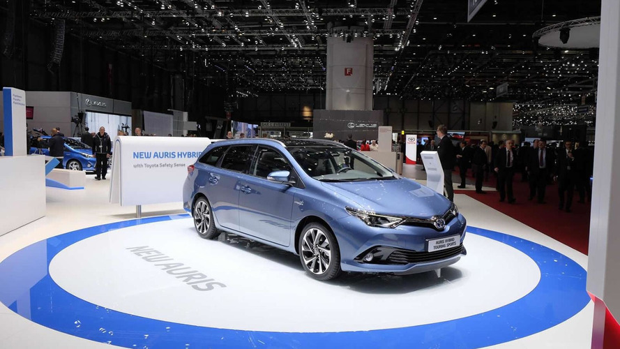 Toyota Auris facelift arrives in Geneva with new engines, including 1.2 turbo