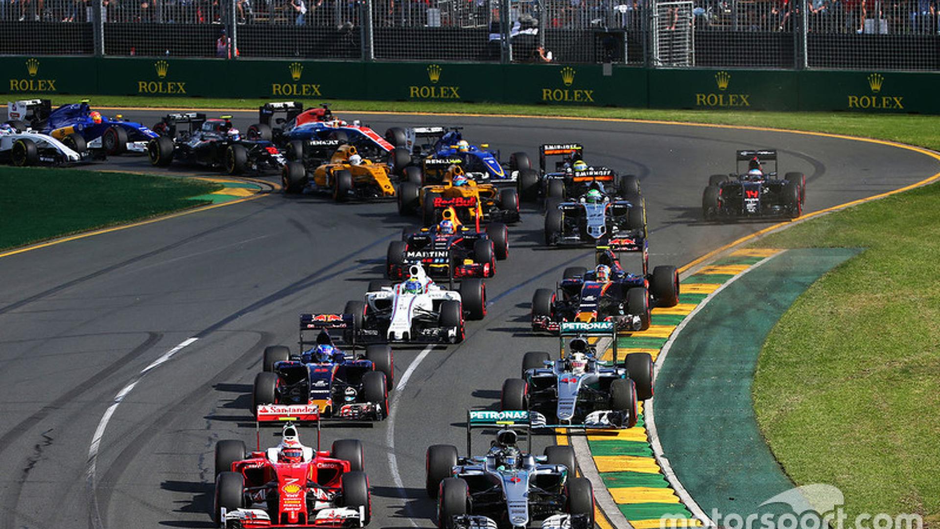 Australian GP: Rosberg wins season opener, Alonso's crash halts race
