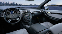 2011 Mercedes R-Class facelift first photos - 29.03.2010