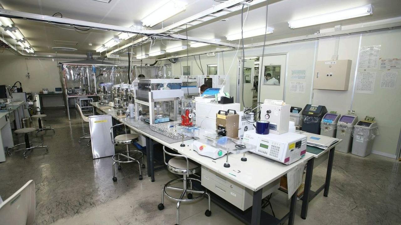 Nissan battery laboratory