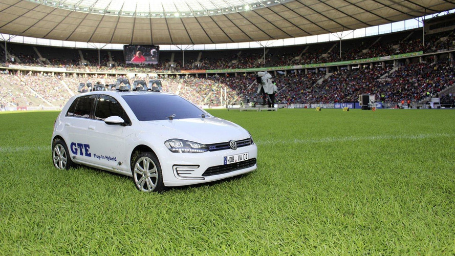 Volkswagen unveils three 1:5 scale Golf GTE shuttle vehicles