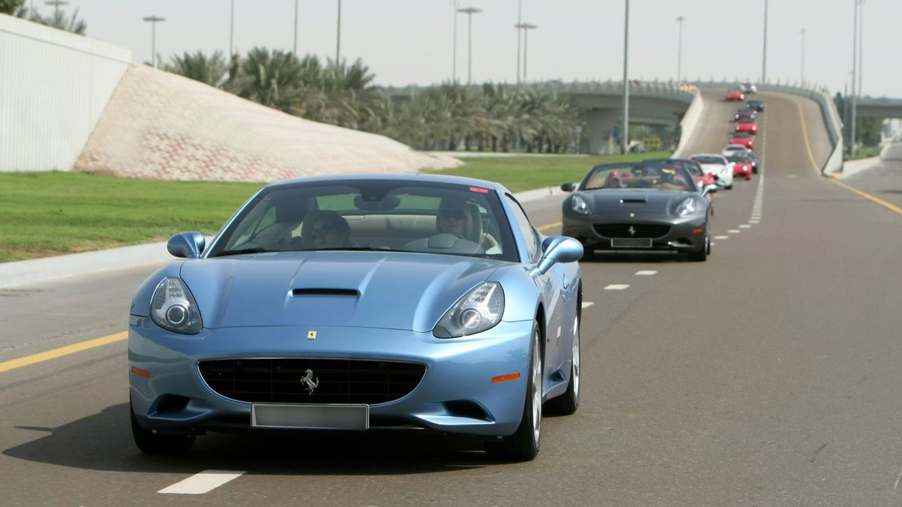 Parade of Ferraris through the Emirates, 30.10.2009