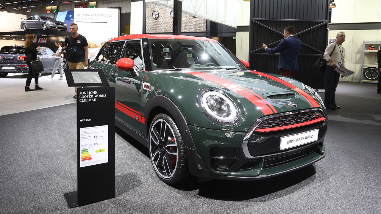 18 beautiful 2017 mini clubman john cooper works 2016 paris motor show. Black Bedroom Furniture Sets. Home Design Ideas