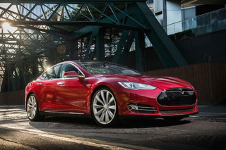 Tesla Wants To Build Cars that Fly and Go Underwater, Because Why Not
