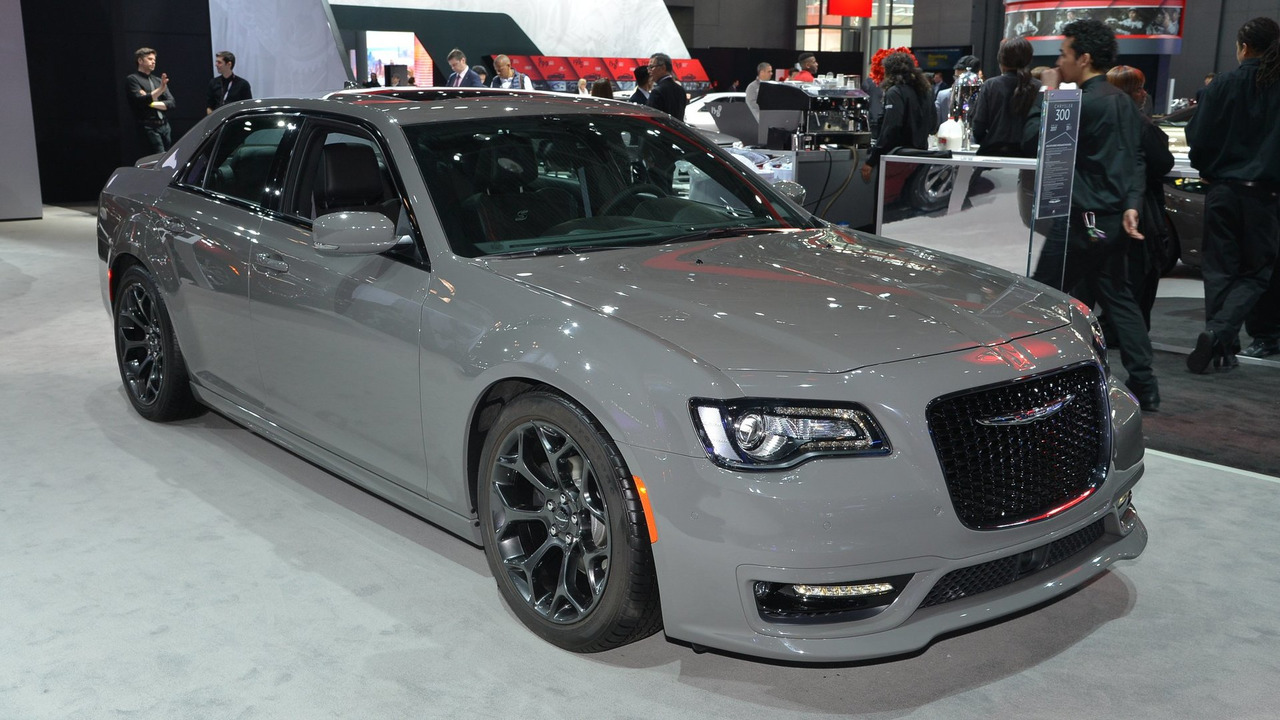 marchionne not ruling out fwd chrysler 300. Black Bedroom Furniture Sets. Home Design Ideas