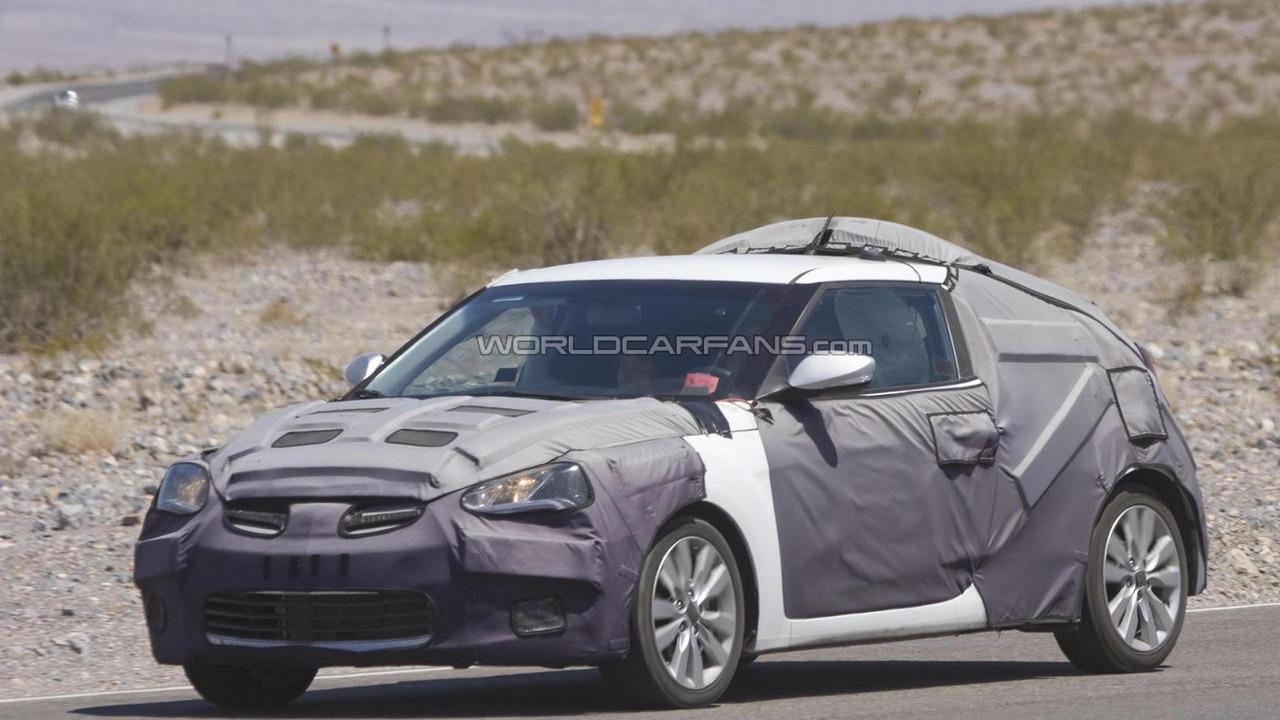 Hyundai Veloster prototype spy photo