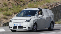 2012 Renault Scenic facelift spied 21.07.2011