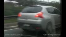 Leitor flagra o Peugeot 3008 sem camuflagem em São Paulo