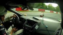 VIDÉO - La Ford Focus RS pour un tour musclé du Nürburgring